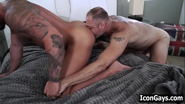 Mature married guys meet in hotel for gay sex