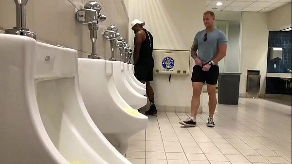 Aquela manjada no banheiro…